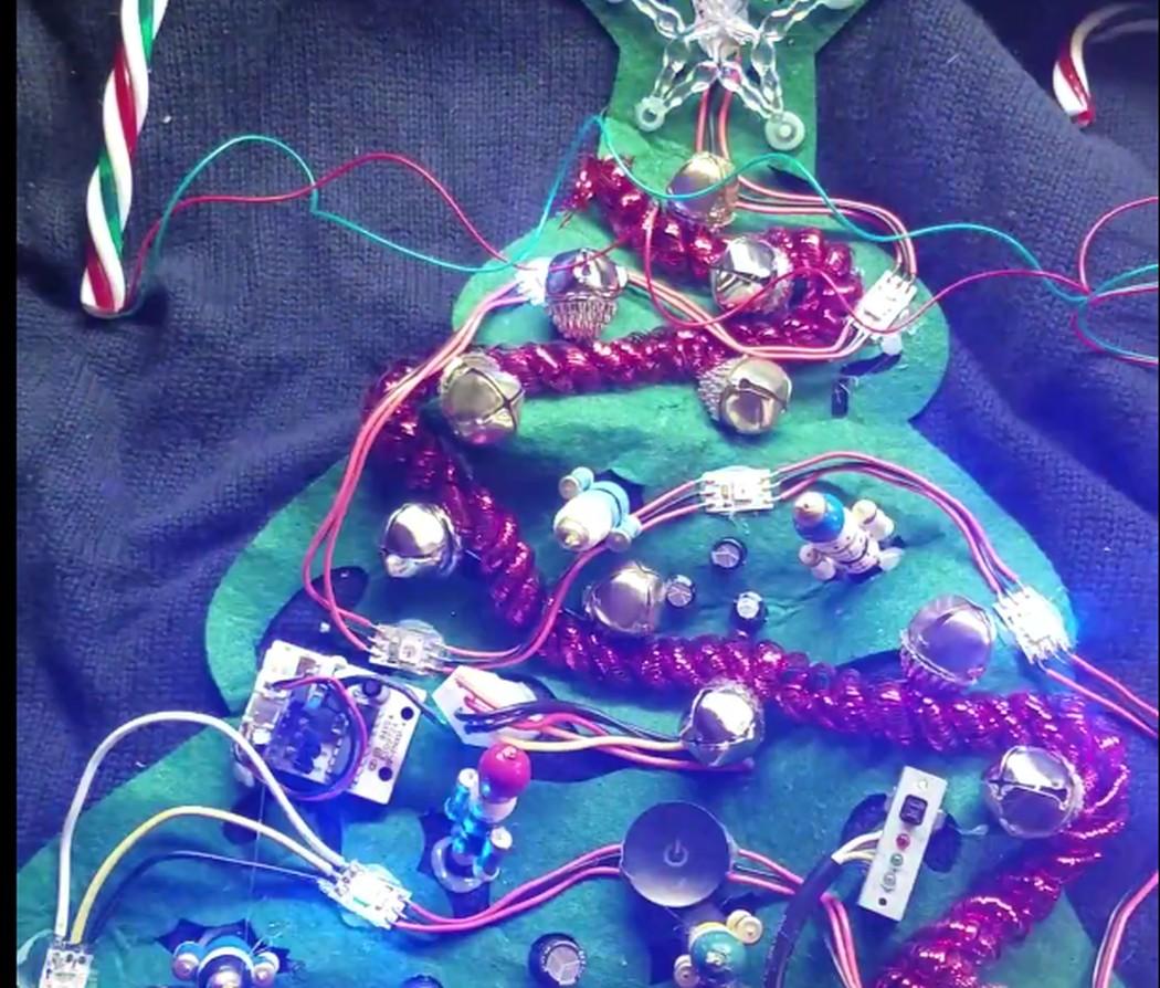 Hässliche Weihnachtspullover mit Licht und Sound