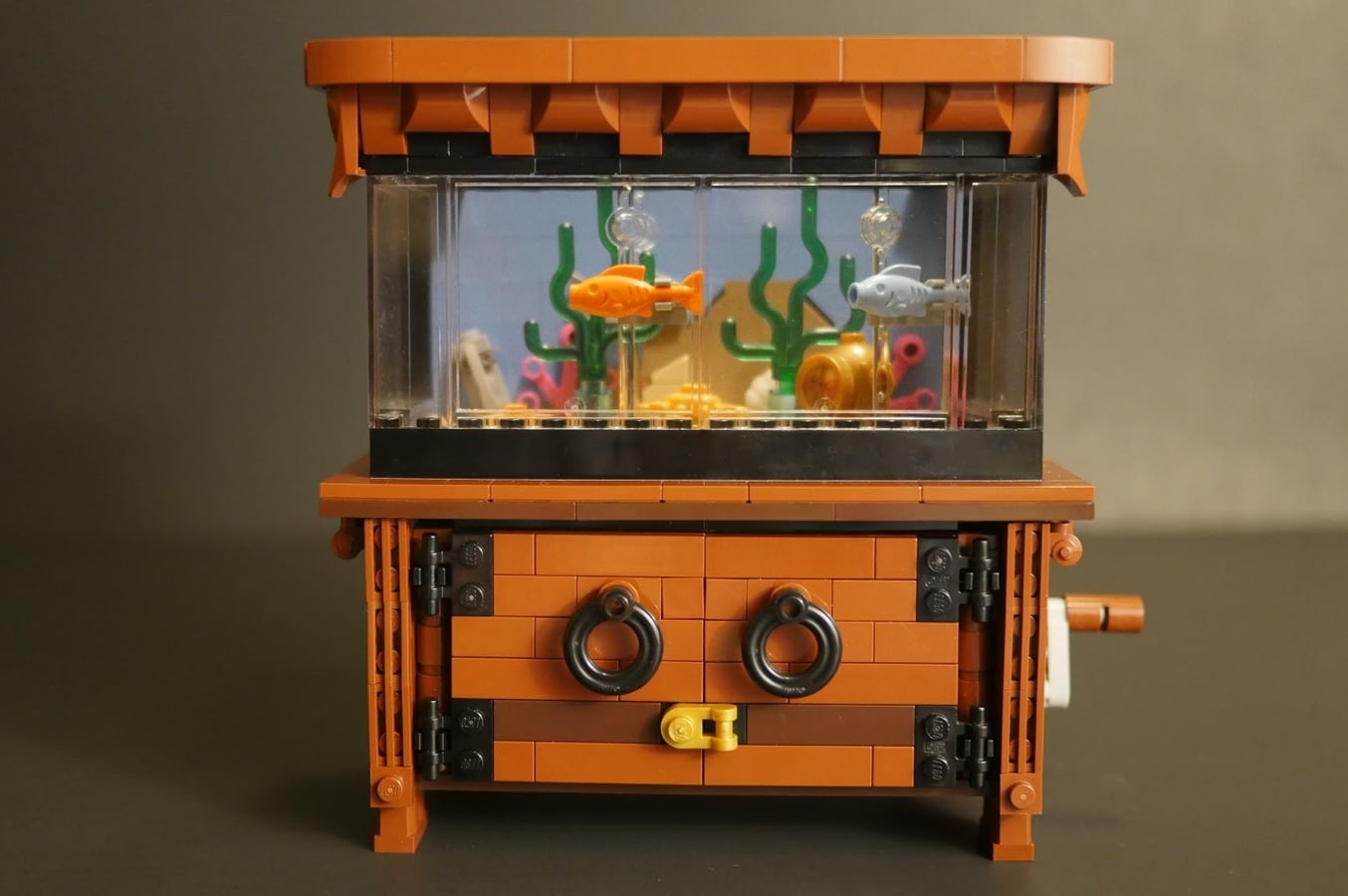 LEGO Clockwork Aquarium: Bastelspaß für Fischfreunde
