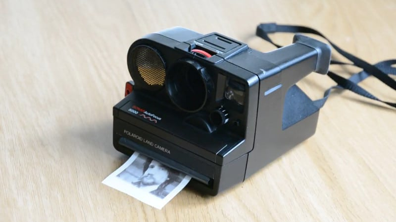 Man kann es kaum erkennen, aber an der Polaroid ist vieles anders. (Foto: mitxela)