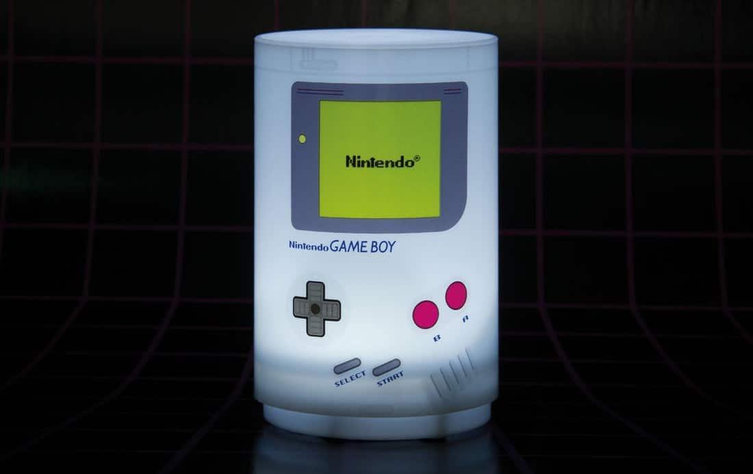 Auf Knopfdruck leuchtet diese Gameboy-Lampe. (Foto: GetDigital)