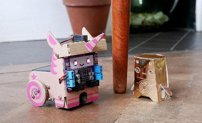 Smartibot: Schlauer Roboter aus Pappe