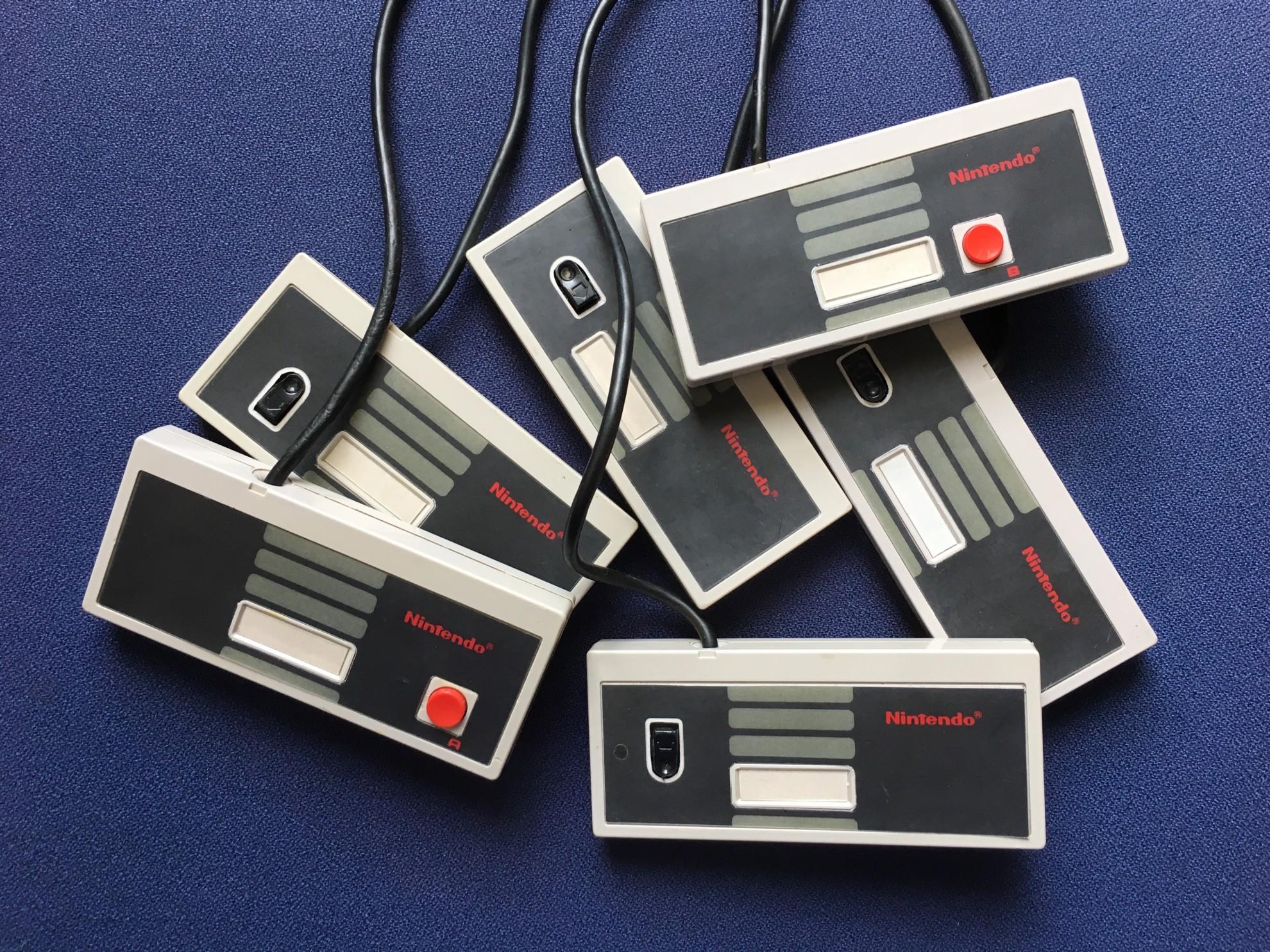 NES Octopad: Acht Spieler und ein Retro-Game