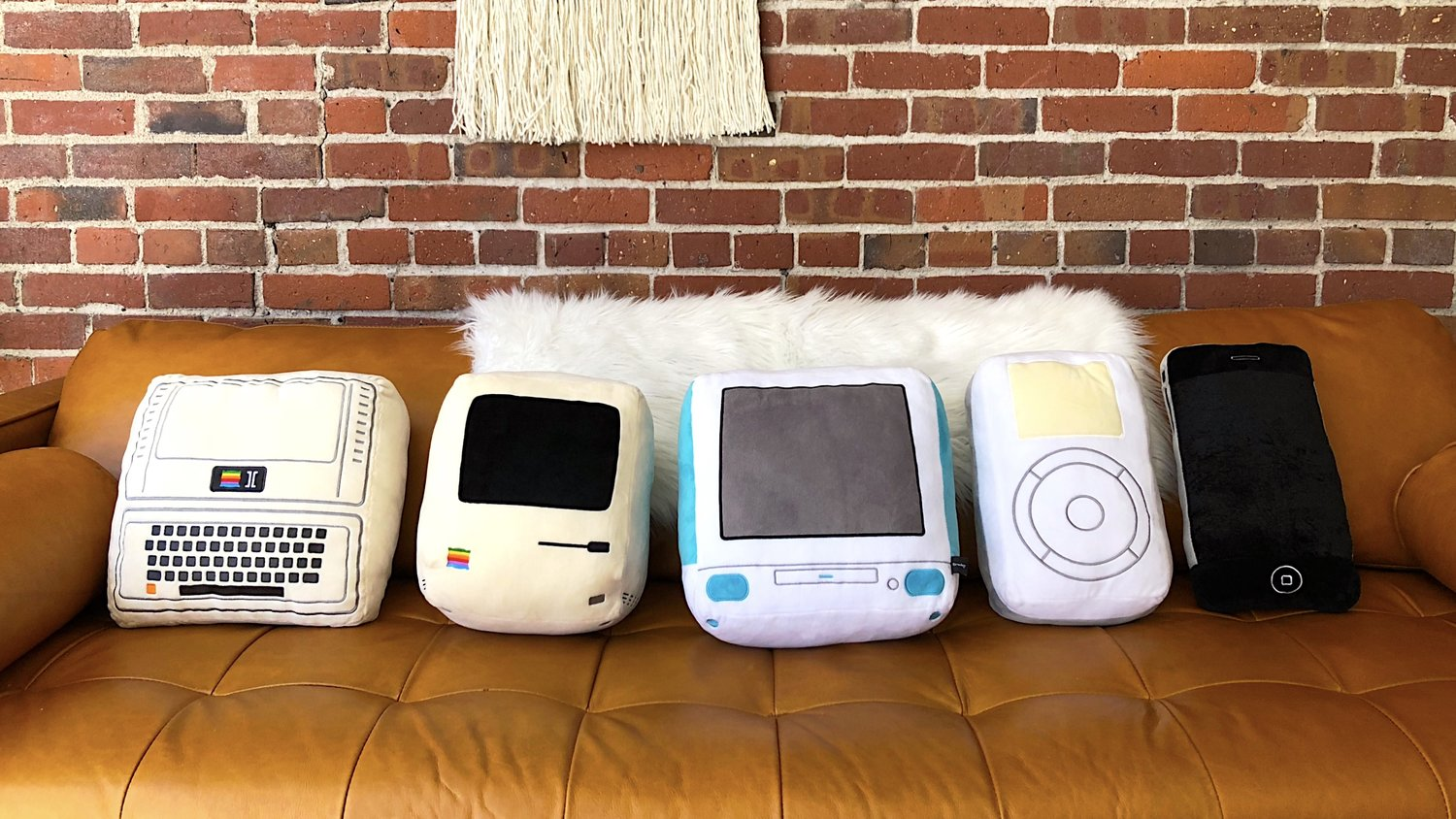 Iconic Pillow Collection: Mit alten Apple-Computern kuscheln