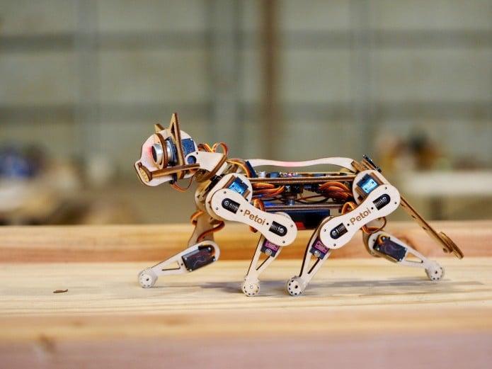 Nybble: Baut euch eine Roboterkatze aus Holz