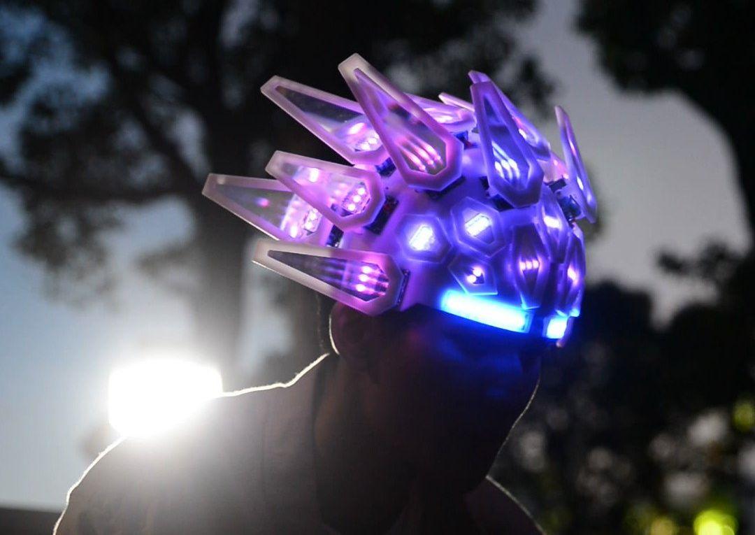 WTF? Das ist der Automaton LED-Helm! (Foto: 10KLumen)