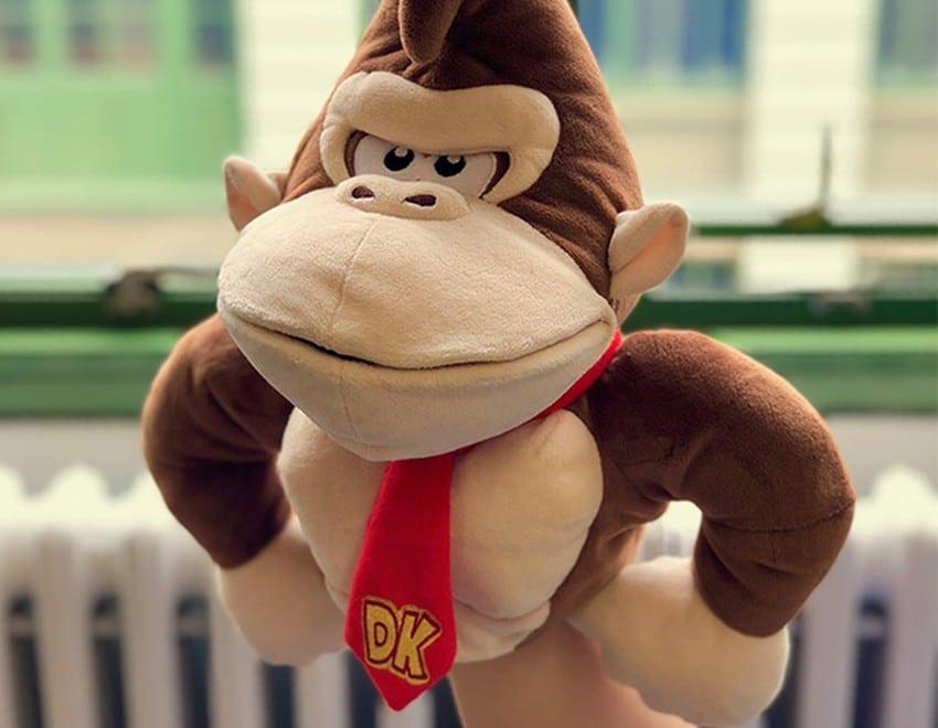 Wie wäre es mit einer Donkey Kong Puppe? (Foto: ThinkGeek)
