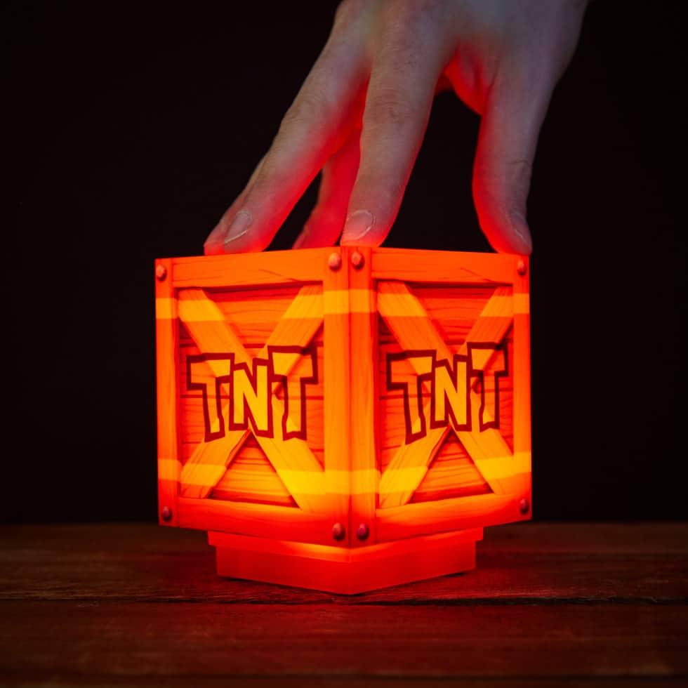 Crash Bandicoot: TNT-Kiste als lustige Lampe