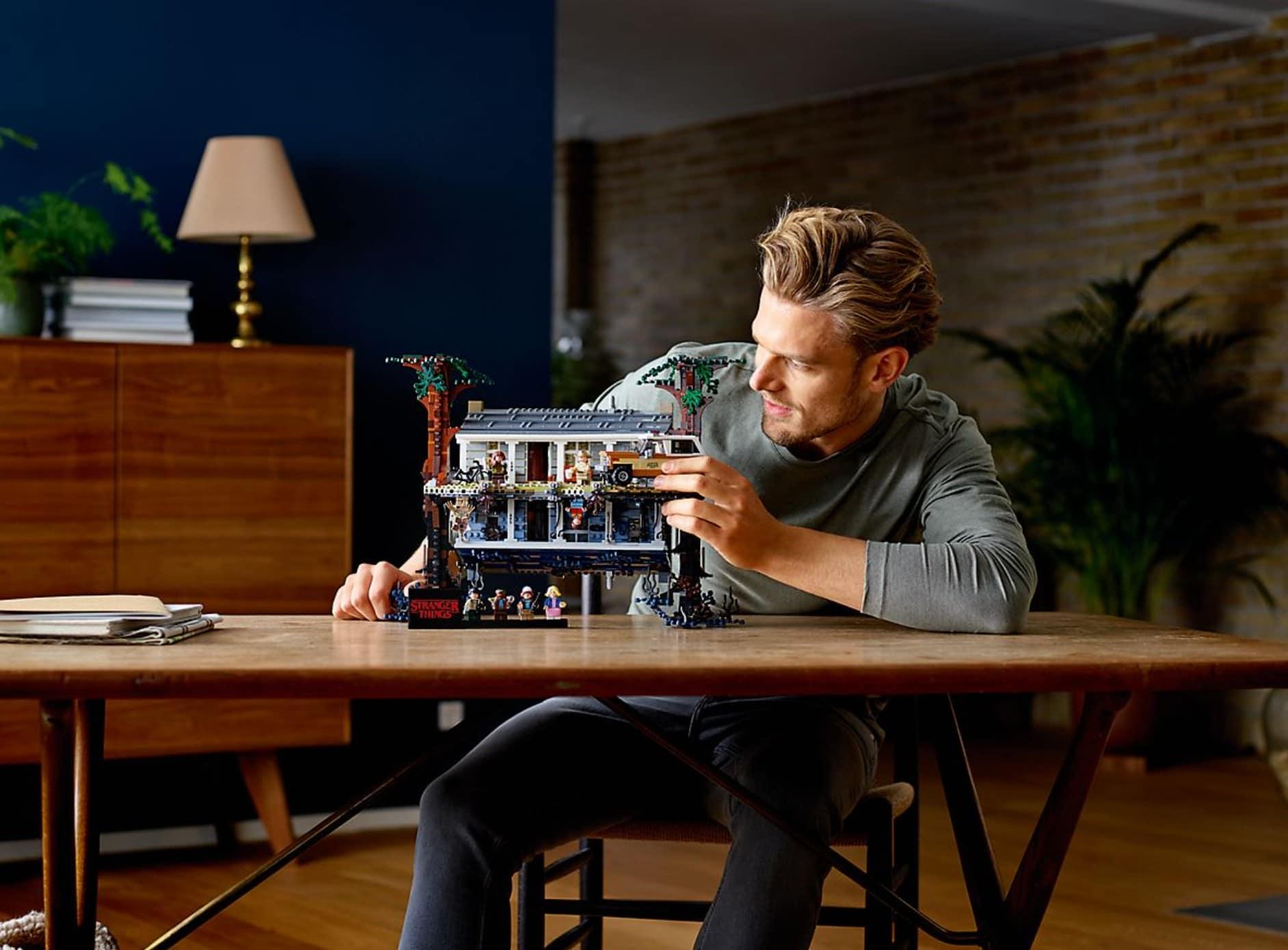 LEGO Stranger Things: Die andere Seite aus Bauklötzen