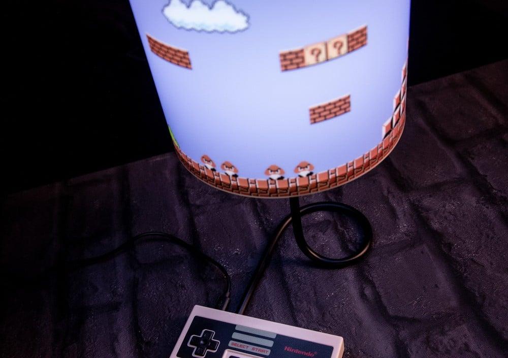 NES Controller Lampe: Mario bringt euch zum Strahlen