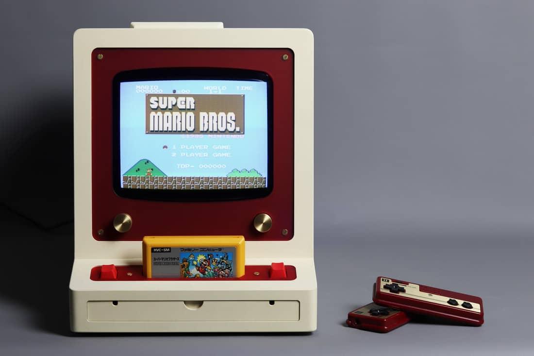 FC-PVM: Einzigartige NES-Konsole aus Holz