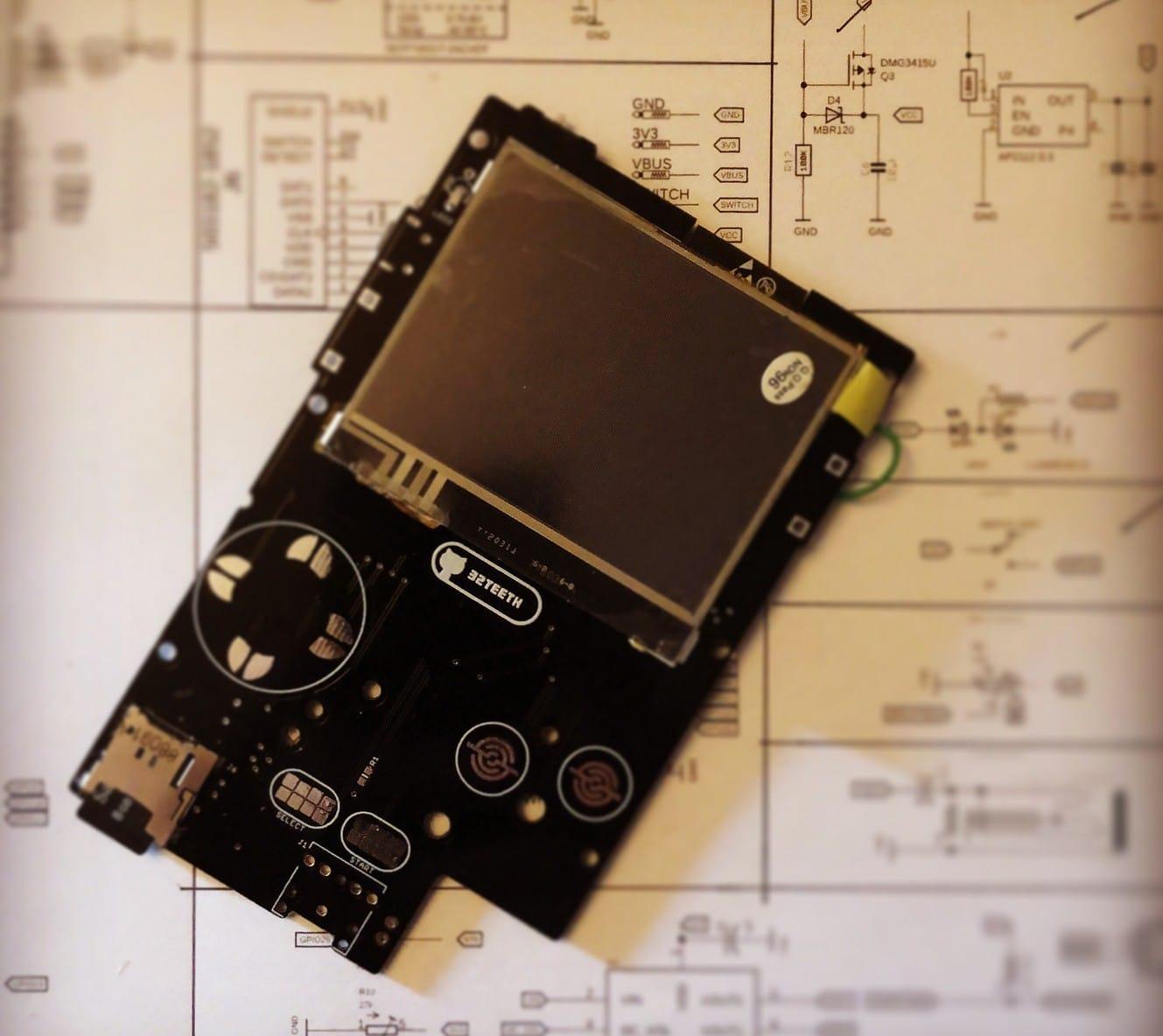 Retro ESP32: Aus eurem Gameboy Pocket wird ein Retro-Handheld