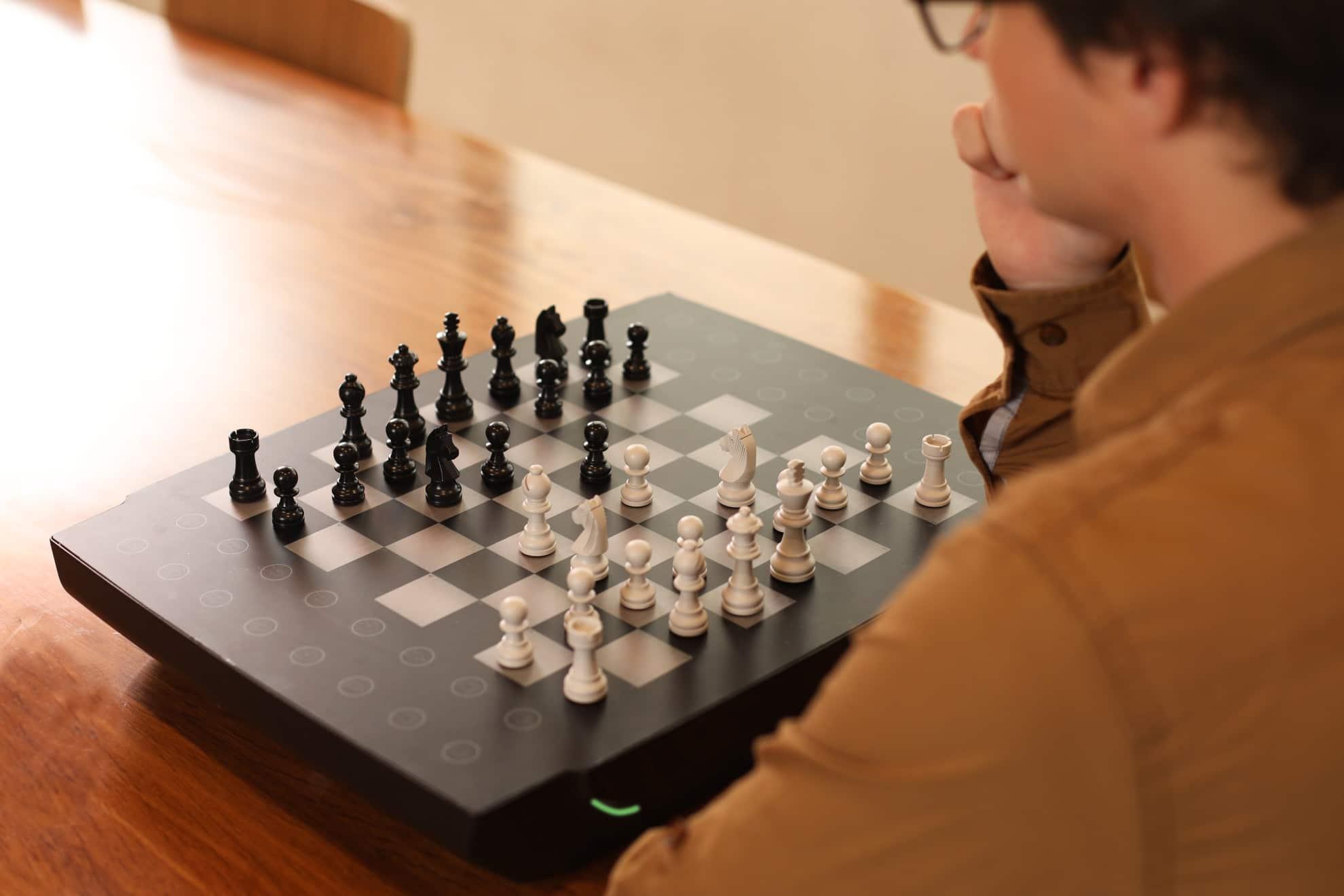 Square Off Neo & Swap: Intelligente Brettspiele mit Online-Modi