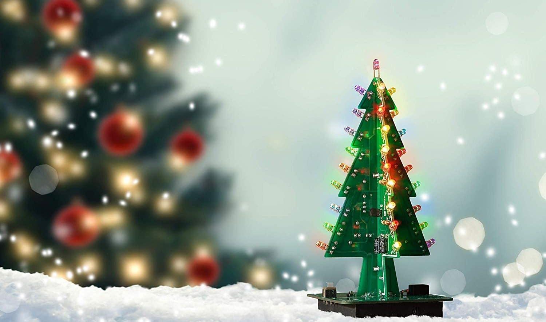 Weihnachtsbaum selber basteln: Baut euch eine nerdige Tanne!