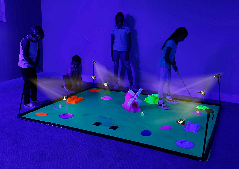 4Fun Cosmic Golf: Glow in the Dark Minigolf für zu Hause