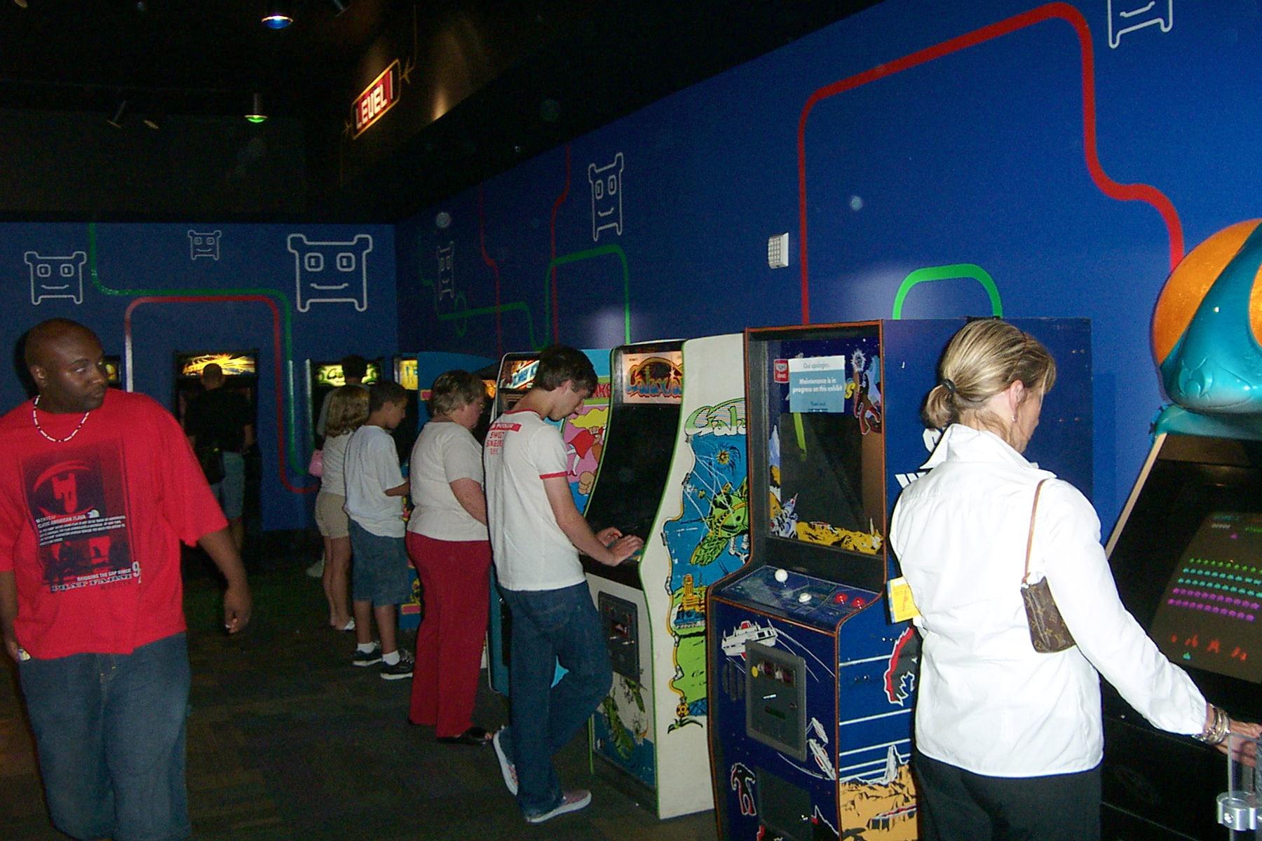 Flipper, Arcade & Co.: Geschichte und Aufbau von Spielautomaten