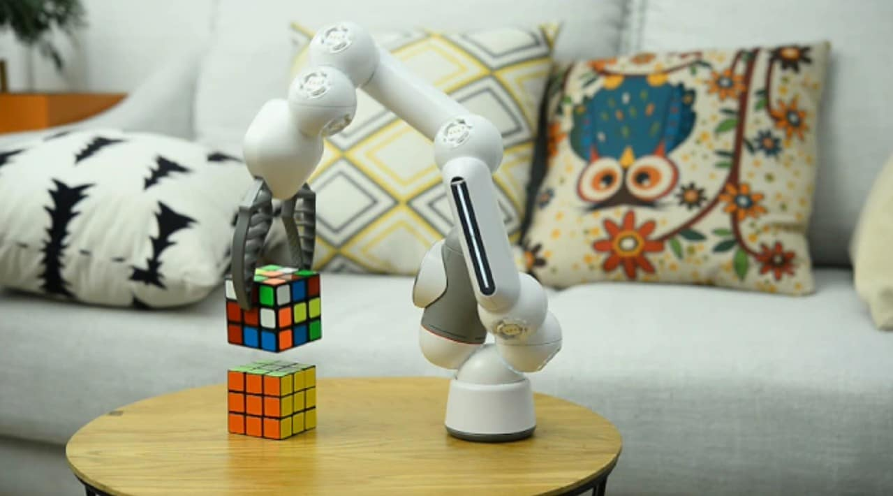Clicbot: Dieser Roboter ist euer Freund in allen Lebenslagen