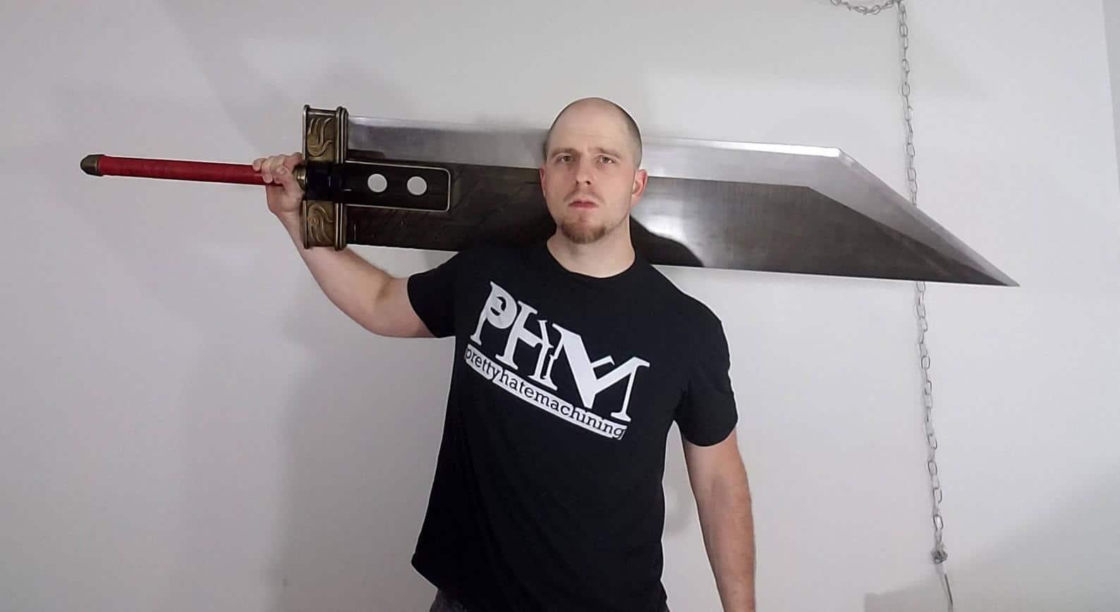 Krass - das ganze Schwert besteht aus Stahl. (Foto: Etsy)