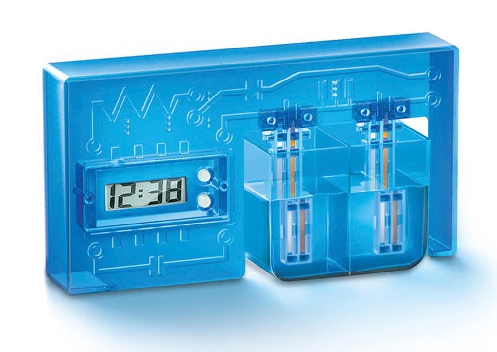 Wasserbetriebene Uhr: Baut euch diese ungewöhnliche Digitaluhr