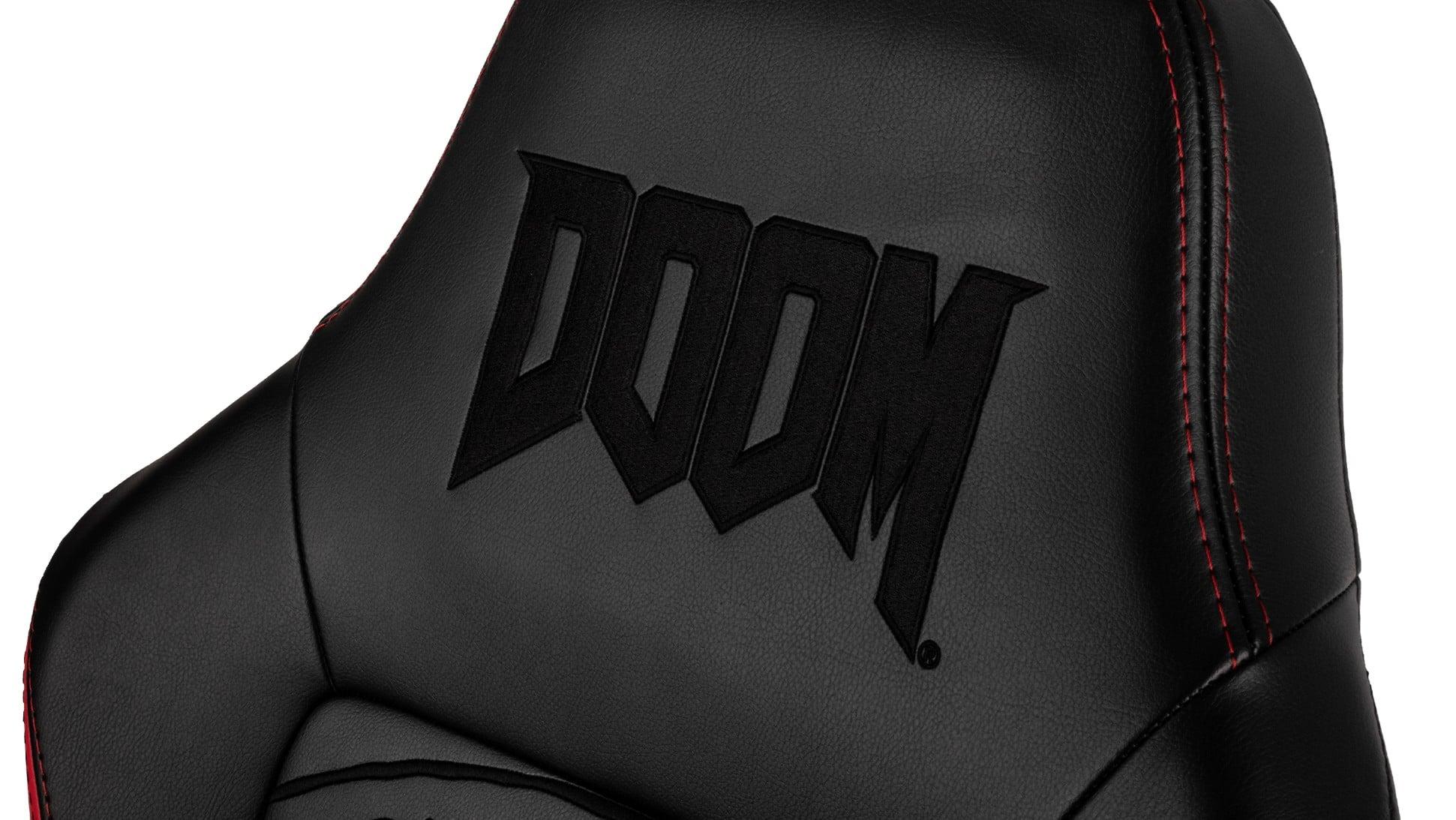 Schickt sieht der Hero in der Doom Edition aus. (Foto: Noblechairs)