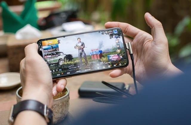mobile gaming smartphone